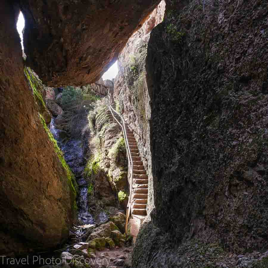 Old Pinnacles trail to Balconies cave trai