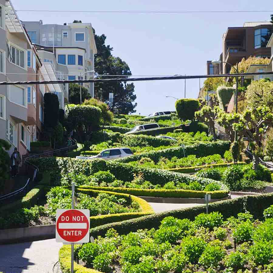 Lombard street – the Crookedest street in San Francisco