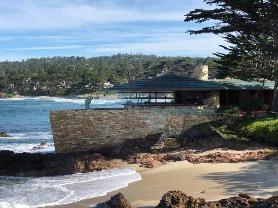 See the Frank Lloyd House - Della Walker House