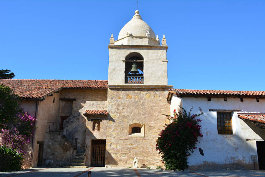 Visit San-Carlos-Borromeo-de-Carmelo-mission aka Carmel Mission