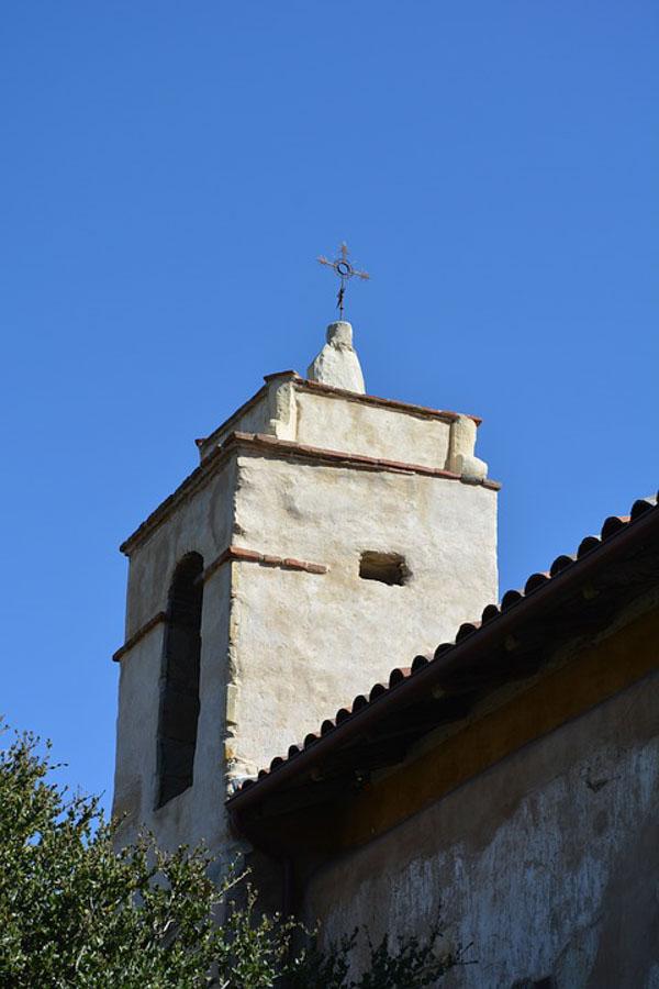 Details to visiting San-Carlos-Borromeo-de-Carmelo-mission